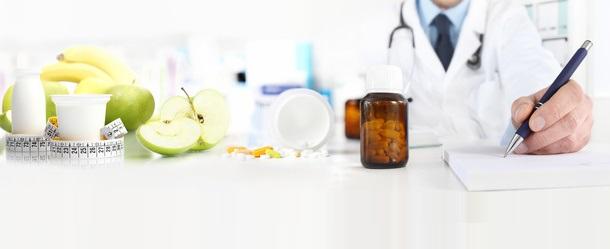 En dépit d'un manque de preuves scientifiques, de nombreux experts continuent de recommander un apport élevé en protéines aux patients plus âgés