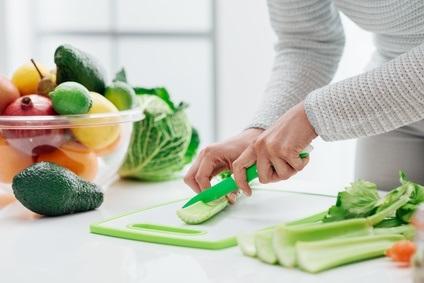 Les différentes organisations de santé rappellent l'importance du respect de mesures d'hygiène strictes lors de la préparation et la prise des repas